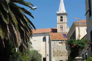 La Parrocchia di San Bartolomeo Apostolo Kirker i Ligurien