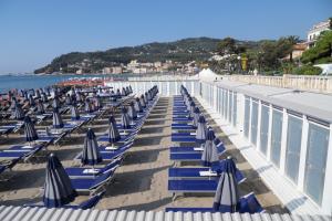 Nettuno*** Strande i Ligurien