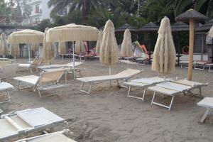 Bagni Ponterosso Strande i Ligurien