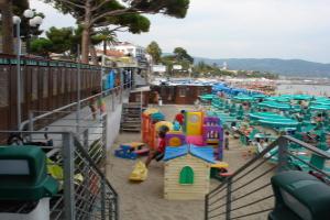 Bagni Lino *** Strande i Ligurien