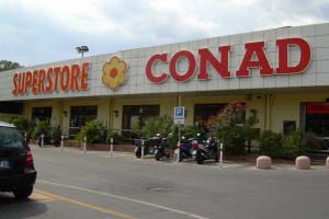 Conad Superstore købmandsforretning/Supermarked i Ligurien