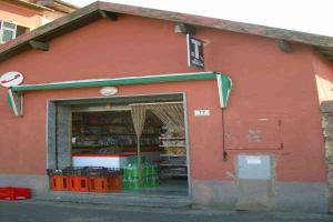 Poggi købmandsforretning/Supermarked i Ligurien